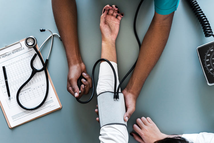 10 Benefits of Becoming a CNA